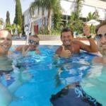 Paraiba Leaders enjoying their swimm